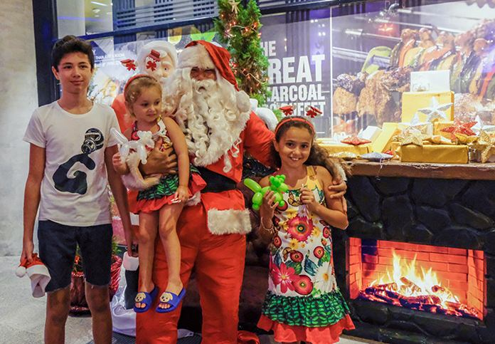 Lil' rockers at the Hard Rock enjoyed loads of fun and a lot of Christmas giveaways from Santa Claus.