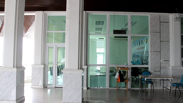 The two-wing Bali Hai Service Center complex – with offices and a conference center on the left and ticket office, storage room, more offices and public restrooms on the right – sits empty, still in new condition.