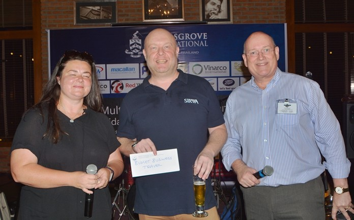 Sirva Thailand GM Adam Beechinor (centre) is one of the lucky draw winners.