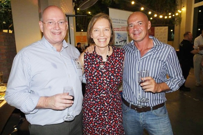 Graham MacDonald with Linda Reay, Vice Chair of SATCC, and Andre Coetzee, owner of Retox Outback Bar.
