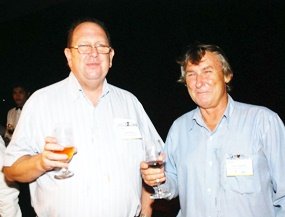 AustCham Eastern Seaboard Coordinator Paul Whyte (left) shares a toast with Gary Baguley (right) from Blue Seas Asia.