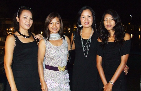 (L to R) Mayuri, Ploy Pisters, Su, and Nin.