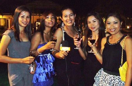 (L to R) Mun, Kat, Mir, Waan, and Nan shine on Pattaya Mail TV.