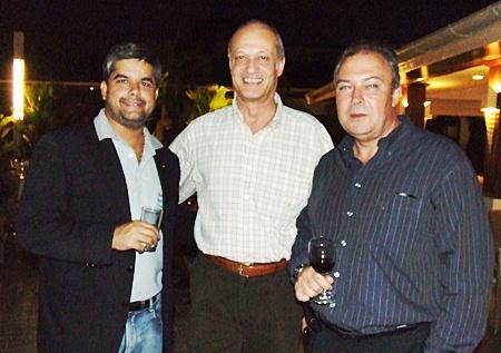 (L to R) Tony Malhotra director of Pattaya Mail; Philippe Delaloye, general manager of Pullman Pattaya Aisawan; and Rene Pisters, general manager of Thai Garden Resort.