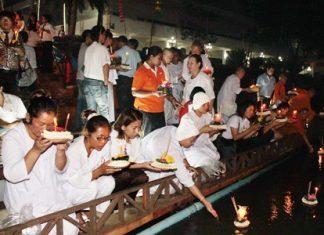 Waterways in Sattahip are filled with people celebrating Loy Krathong.