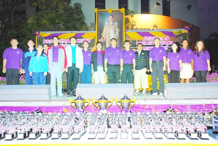 Burapha University held healthy walking and jogging events in honor of HM the King on this special occasion.