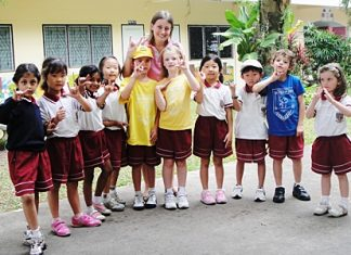 Ten pupils in Year 1 and 2 from the Regent's School went to visit the Sotpattana Deaf School in Pattaya.