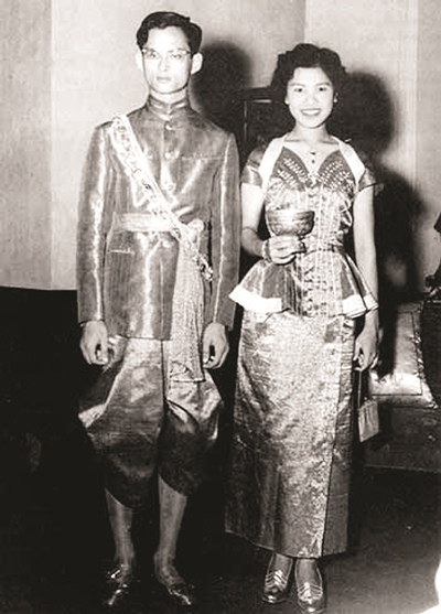 His Majesty King Bhumibol Adulyadej the Great and Her Majesty Queen Sirikit celebrated their 60th wedding anniversary on Wednesday, April 28, 2010.