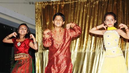 Sawarkar Aastha, Chauddhary Ojas, and Baldwa Hansika perform elegantly.