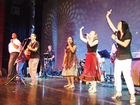 Performers from Los Angeles celebrate the true meaning of Christmas through music and song for Pattaya's children.