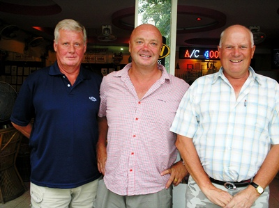 Club Championship prize winners: Peter Grant, Les Smith and Kari Aarnio.