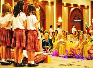 The Pattaya International Ladies enjoy the Regent's choir.