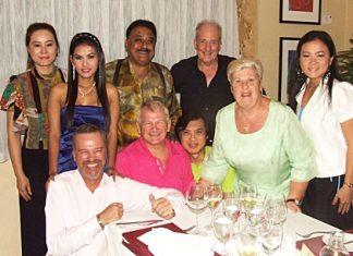 The convivial table included (front row l-r) Ingo Raeuber, Andrew Wood, Corrie Bik, Pichai Visutriratana and Som Corness. (Standing l-r) Mae Mahaphaisan, Natthakarn Sinprasom, Peter Malhotra and Dr. Iain Corness.