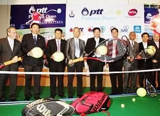 Tournament organizers and dignitaries attend a press conference held in Bangkok on Friday, Jan. 7 to announce the 2011 PTT Pattaya Open.