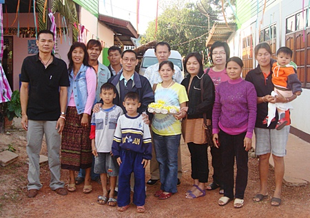 Saming Suebsakul (centre), manager of activities and public relations of the Diana Group of Hotels and Resorts led his team on a study tour of the traditional and cultural Ban Diam Home Stay business in Udon Thani and in the Lao People's Democratic Republic recently. He reported that the home stay business was very popular amongst foreign travelers.