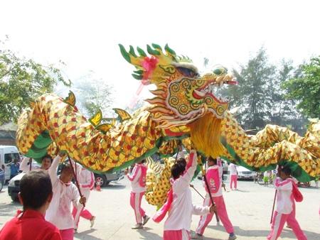 The grand dragon makes its way through Naklua.
