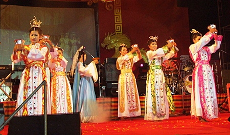 Beautiful young maidens perform a Chinese cultural show in Naklua.