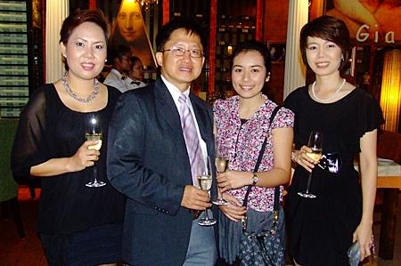 (L to R) Manida Wasanasit, Dr. Narintara Boonjongcharoen, Napphaya Jaikuntun, and Thanyalak Nupak.