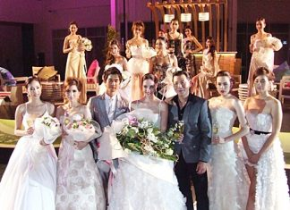 Itthi Chavalittamrong (front row, 3rd right) amidst the beautiful models.