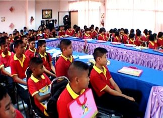 Students of Pattaya School No. 2 attend the first personal-safety lecture.