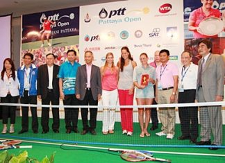 The star players of the 2011 PTT Pattaya Open are seen on stage with the tournament sponsors after the conclusion of Sunday's press conference held at the Dusit Thani Pattaya.
