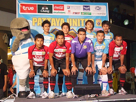 Players from the Pattaya United squad pose for a photo at a press conference held at Central Beach shopping mall on Friday, Feb. 4.
