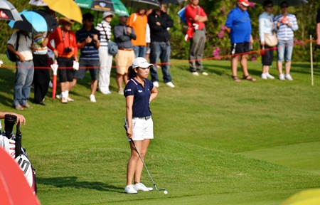I.K. Kim of South Korea faces a meltdown on the 17th hole where she made a quintuple bogey 9 to fall out of contention.