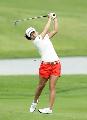 I.K. Kim shot a 1-over par 73 on Friday to lead the field by one.