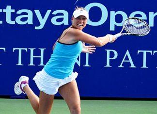 Vera Zvonareva unleashes a fierce forehand in her quarter-final match against China's Shuai Peng.