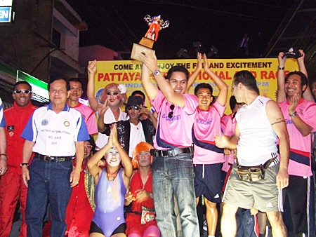 Pattaya Police receive the mayor's trophy for winning 1st place in the speed category.