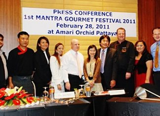 David Cumming, GM of the Amari Orchid Pattaya held a press conference recently to announce the inaugural Mantra Gourmet Festival 2011, to be held March 19-27. In attendance were Deputy Mayor Ronakit Ekasingh (5th right); Passalin Sawatetarath (6th right), assistant director of the Tourism Authority of Thailand (TAT) Pattaya; Tony Malhotra (left) and other hospitality personalities.