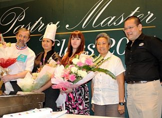 """French Chef Jean-Francois Arnaud (left), recipient of the """"Un des Meilleurs Ouvriers de France en patisserie confiserie"""" in 2000 was at the Holiday Inn Pattaya recently to attend the Master Pastry Chef Class 2011 organised by the Biz Portal Co. Ltd. Participants were chefs from international brand hotels in Pattaya, bakeries and restaurants who were interested in learning the fine art of making confections and pastries from the master chef himself."""
