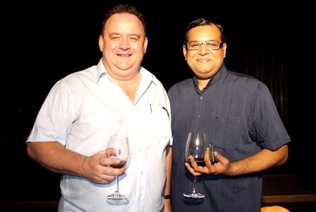 Michael Procher (GM of Nova Suites, Nova Platinum & Nova Gold) meets with Aloysius Michael (RM Dusit Thani Pattaya).