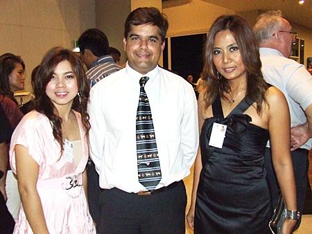 Kuntima Chai Udom (Arise Asia), Tony Malhotra (Pattaya Mail), Thanyamai Totharong (MD Arise Asia).