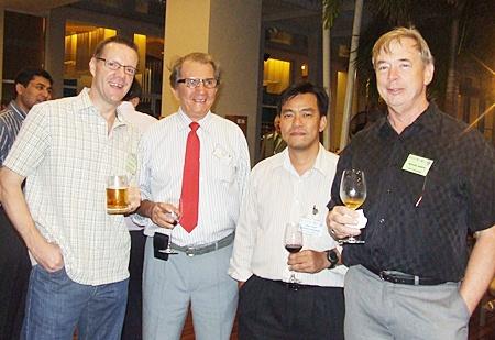 Roger Wilson (GKN Ariveline), George Strampp (Automotive Manufacturing Solutions), Chatchai Wiriyatammakul (TRW Automotive), Michael North (North Engineers & Design Associates).