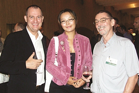 A rose between two gentlemen, Torben Rudgaard (Flip Invert), Michele and Herman van Gucht (Town and Country Property).