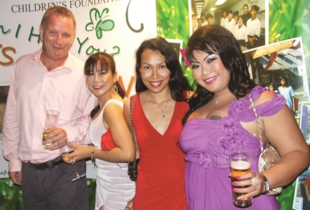 Tony seems as happy as a clam with these charming ladies: Supaluk Tasawang (Land of Smiles Property), Ruenrudee Prasertsung (Minalice Thailand) and Sirinapa Potising (Buy Thai Properties).