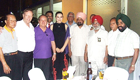 Harminder Singh, (3rd right) Past Governor of Rotary District 3070 India, happened to be in town and led a large delegation to wish PDG Premprecha all the success.