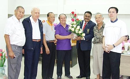 Peter Malhotra bears greetings of luck and success on behalf of Rotary District 3340 and the Pattaya Mail Media Group. (l-r) P. Malakul, PP Dennis Stark, PDG Jin Srikasikorn, Premprecha Dibbayawan, Peter Malhotra, Tom Sirisant, and Father Kritsada Sukkaphat.