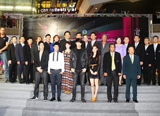 Festival organizers and sponsors gather with movie celebrities for a group photo following the press conference at Central Festival Pattaya Beach on Feb. 24.