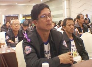 Pattaya residents attend the free accident training workshop at the Zign Hotel in Naklua, Monday, March 21.