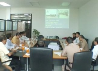 Officials meet to discuss the proposed new redevelopment budget for U-Tapao Airport.