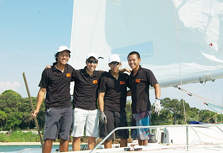 The victorious young lions from Singapore. (Photographer Alex Samaras)