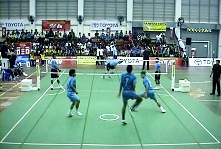 Teams compete in the Vigo Takraw 2011 tournament at Pattaya School No. 7 on Feb. 24.