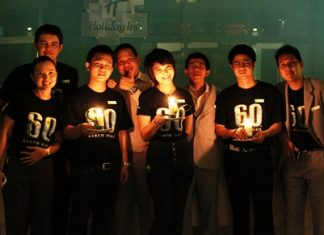 Holiday Inn Pattaya participated in the energy saving Earth Hour 2011 on March 26. Earth Hour started in 2007 in Sydney, Australia when 2.2 million individuals and more than 2,000 businesses turned their lights off for one hour to take a stand against climate change. Earth Hour has done a lot to raise awareness of sustainability issues. It's all about giving people a voice and working together to create a better future for our planet. Holiday Inn Pattaya has proven that turning off the lights for just 1 hour they saved up to 18 times the amount of energy that the hotel regularly uses during the same hour on other days. Lights were turned off in the restaurants and the lobby area.
