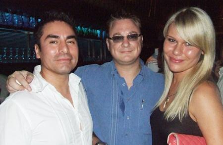 Alex Trysllo, Janek Keersalu and Ms Oxana discuss hot properties in Pattaya.