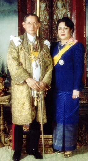 His Majesty King Bhumibol Adulyadej the Great and Her Majesty Queen Sirikit celebrate Their 61st wedding anniversary on Thursday, April 28. (Photo courtesy of the Bureau of the Royal Household)