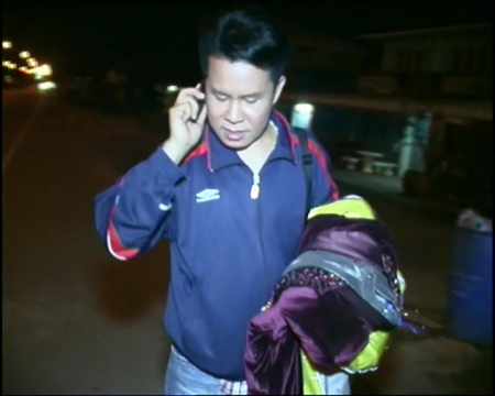 Monsit Kamsoi informs his management about the accident.