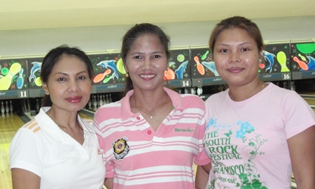 200 Bowlers:  Pao, Ooy and Aht.
