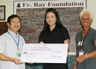 Vanvara Supongpun, owner of Vanvaras Deutschschule, Pattaya's best German language school recently visited the Father Ray Foundation to make a donation to the value of 20,000 baht. Accepting the donation on behalf of the 850 children and students with disabilities, Father Michael Picharn Jaiseri, Vice President of the Foundation.